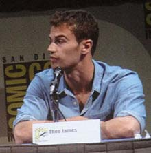 ¿Theo James es Gay? - vooxpopuli.com